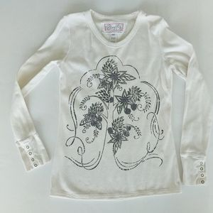 Aventura thermal top with tree design